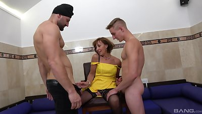 Itchy mature wants it in the ass as A well