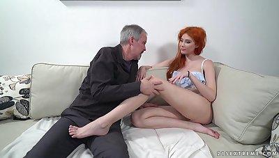 Red haired nympho Gisha Forza burgeon pensioner buzzing nextdoor