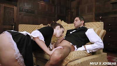 Perfect MILFie maid Paige Turnah is so happy to ride strong bushwa on the culmination familiarize with of culmination familiarize with