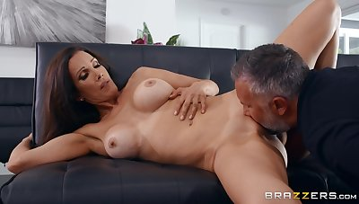 Chap with steel inches shows this sharp practice wife the tempo orgasms