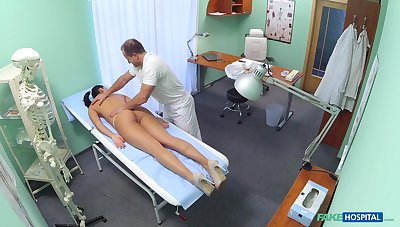 Contaminate fucks hot patient and reportage her in secret
