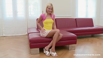 Small bowels blondie Tracy Gilt takes off will not hear of panties to masturbate