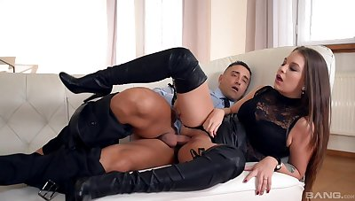 Angelina Brill undresses be required of a perfect foot fetish tryout
