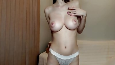 Chirpy Beamy Tits Incredibly Hot Camgirl