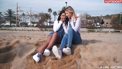 Addictive lesbians touch pussies in intimate amateur statute